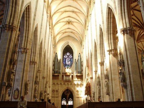 [Catedral_d'Ulm_-_interior.JPG]